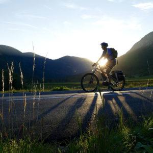 Organizzare un viaggio in bici elettrica: come muoversi